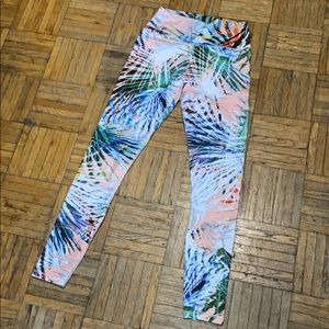 Fabletics High Waisted Pastel Printed Leggings XXS